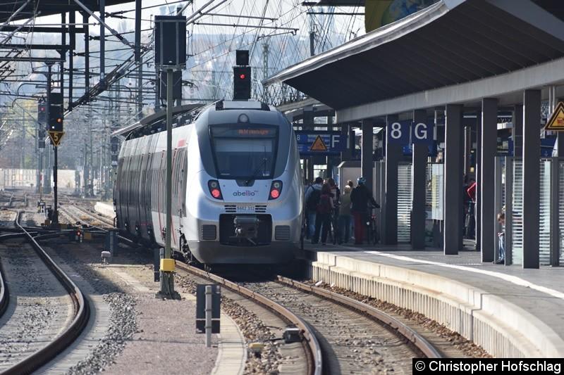 9442 312 beim Fahrgastwechsel in Erfurt Hauptbahnhof
