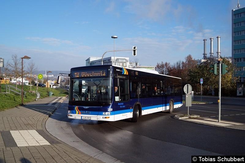 Wagen 259 als Linie 12 in Winzerla.