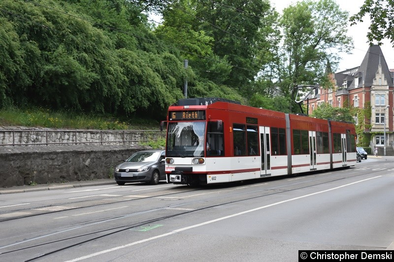 TW 602 warte auf seine Freifahrt am Stadtparkkopf(Schillerstraße) in Richtung Hauptbahnhof.