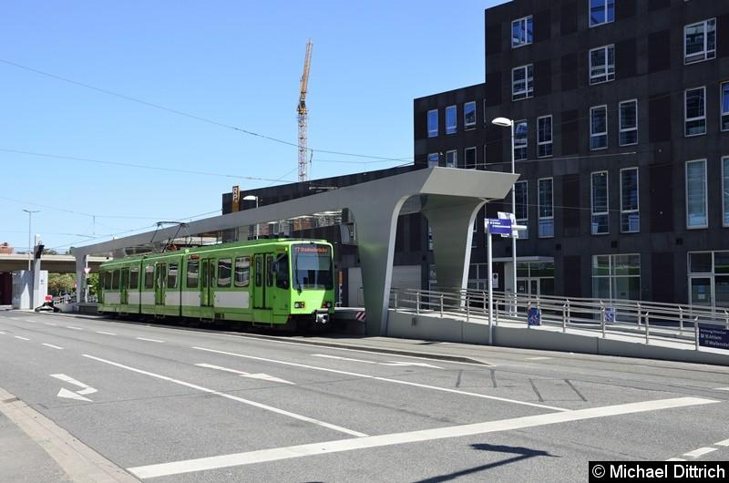 6251 als Linie 17 an der neuen Endstelle Hauptbahnhof/ZOB.