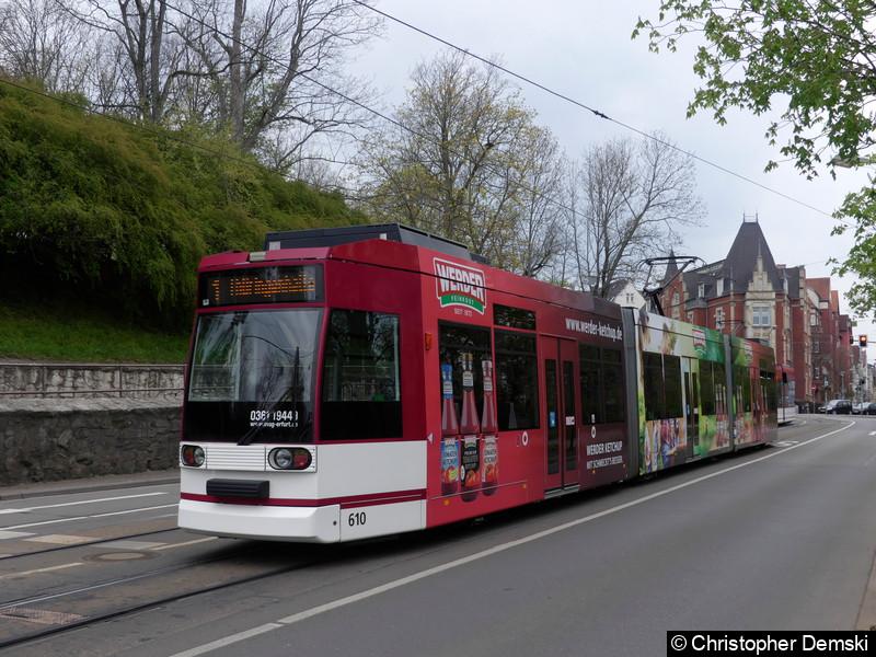 TW 610 als Linie 1 in Richtung Thüringenhalle in Bereich Schillerstraße.