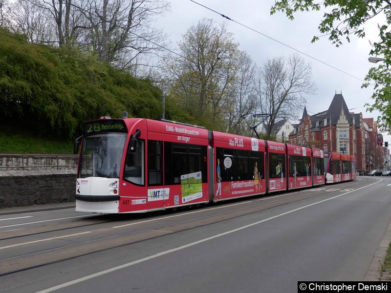TW 637+722 als Linie 2 am Stadtparkkopf(Schillerstraße) kurz vor der Haltestelle Hauptbahnhof.