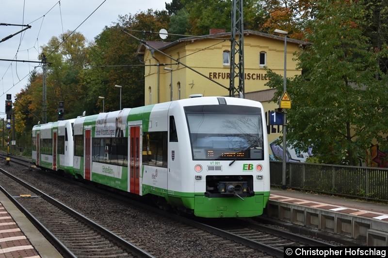 VT 001+VT 002 der Erfurter Bahn beim Fahrgastwechsel in Erfurt Bischleben
