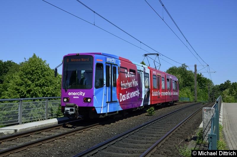 6243 als Linie 8 zwischen den Haltestellen Am Mittelfelde und Messe/Nord.