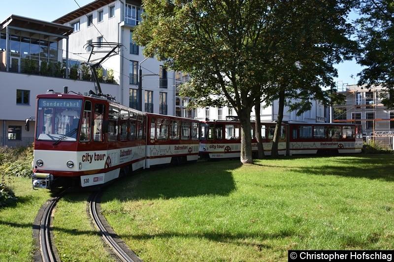 TW 530+512 als Sonderfahrt in der Domplatz,Schleife