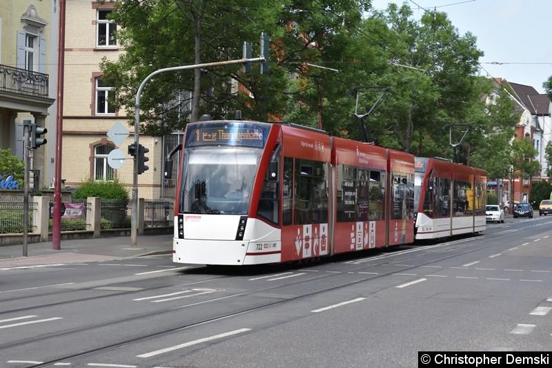 TW 722+723 als Linie 1 in der Arnstädter Straße in Richtung Thüringenhalle.