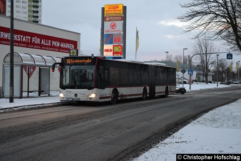 Wagen 438 als Linie 10 in Richtung Grubenstraße, an der Haltestelle Moskauer Platz.
