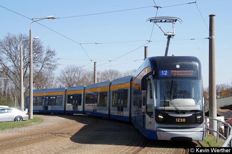 TW 1230 als Linie 12 Johannisplatz/ 4E Riebeckstraße, Wendeschleife Gohlis-Nord